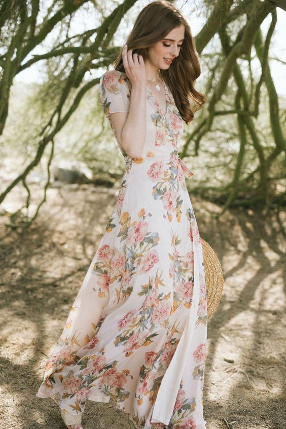 girly look in floral dress