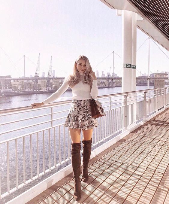 girly spring outfit with printed mini skirt