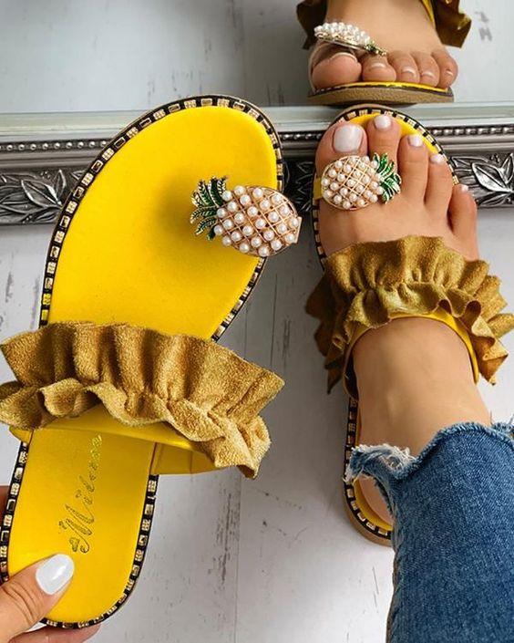 casual summer footwear for women