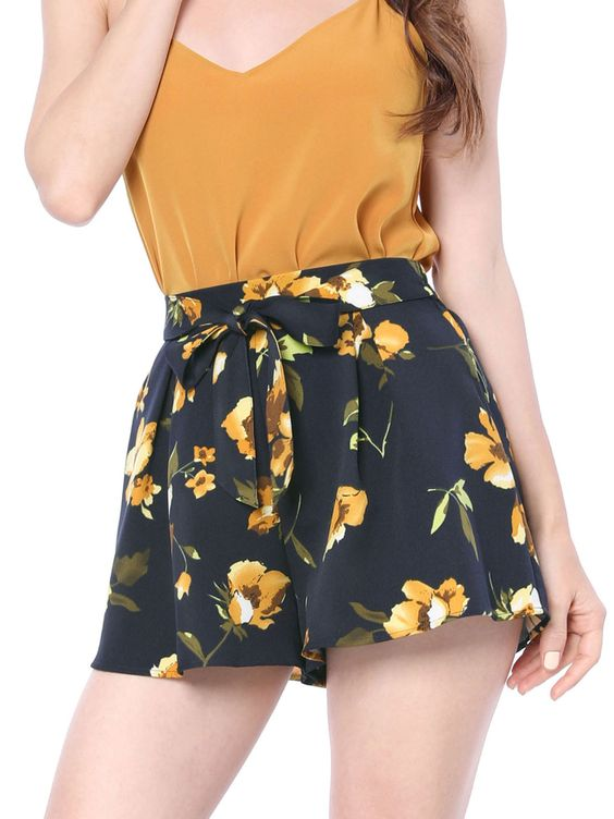 elastic tie waist shorts for a comfortable summer outfit