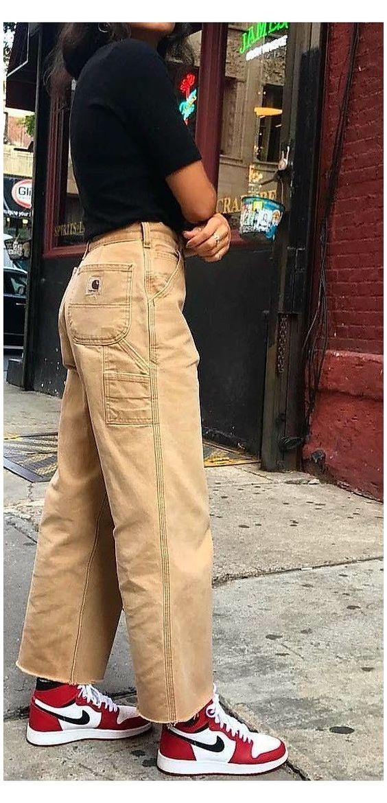 khaki pants for a essential basic wardrobe