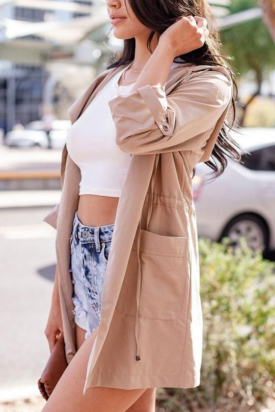spring outfit idea wearing a lightweight jacket