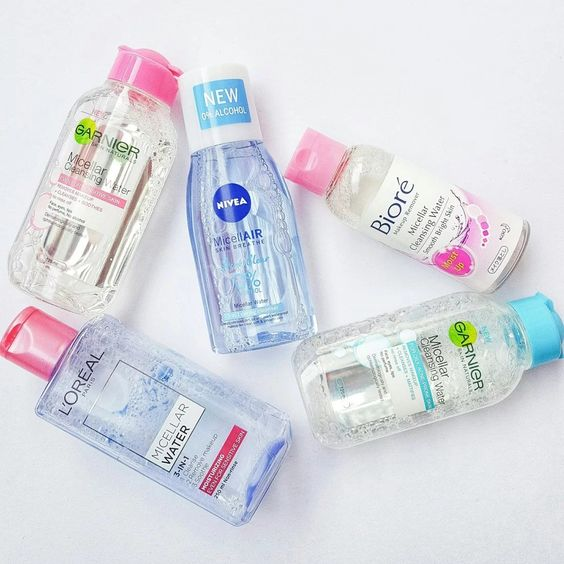 rinse the face with micellar water for dry skin