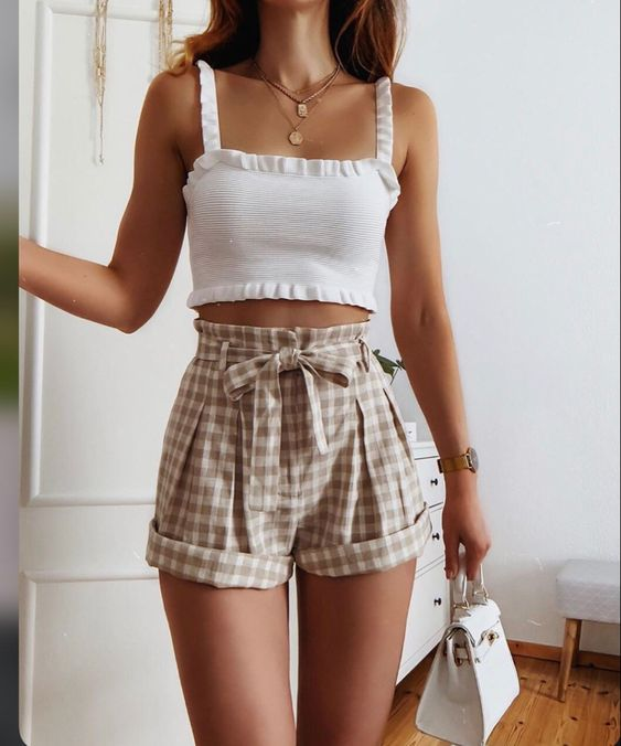 plaid shorts and white tops summer outfits