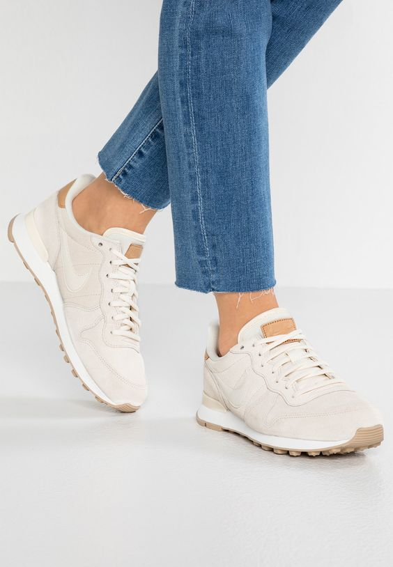 sneakers for a casual wear