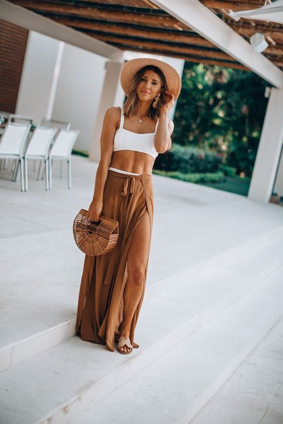 casual summer holiday outfit