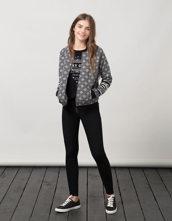 bomber jacket to show your sporty look