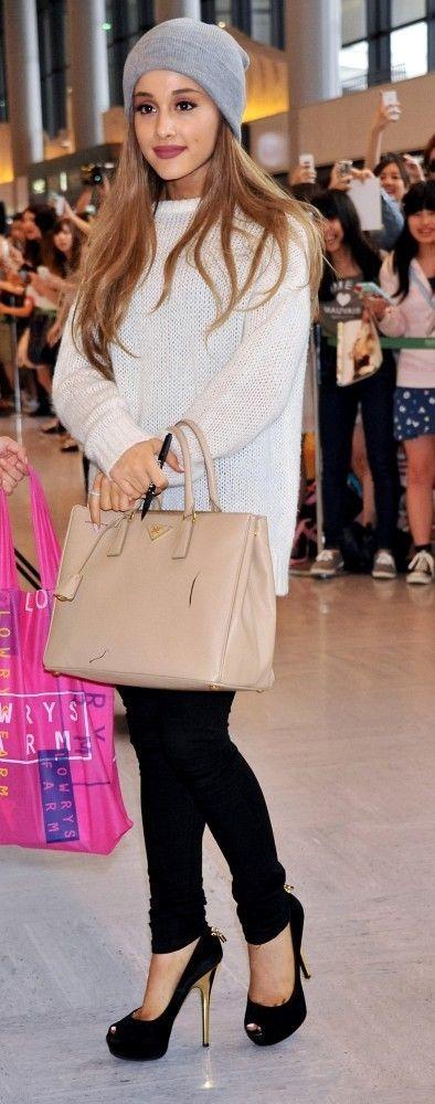 Ariana Grande casual look