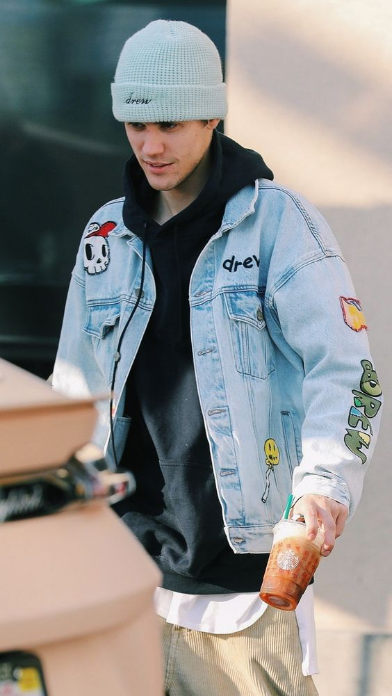 Justin Bieber casual street look