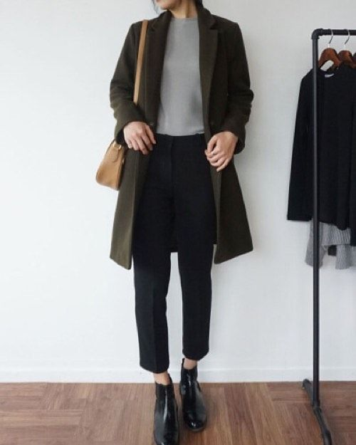 minimalist outfit in earthy color palette