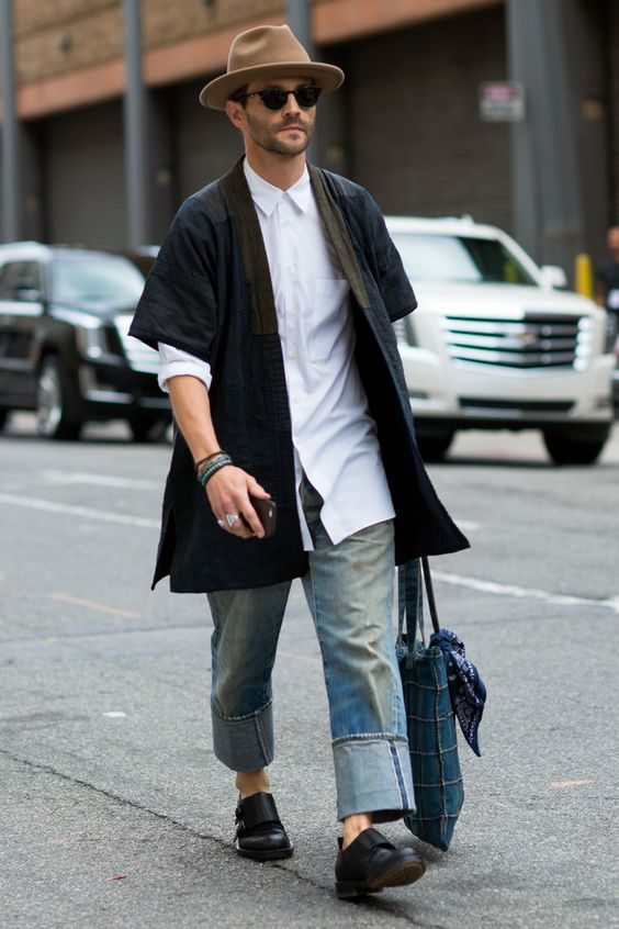 styling kimono for men's transitional outfit