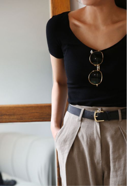 chic minimalist aesthetic outfit