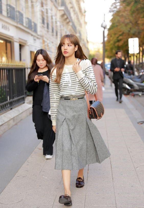 effortless girly look Lisa Blackpink street style