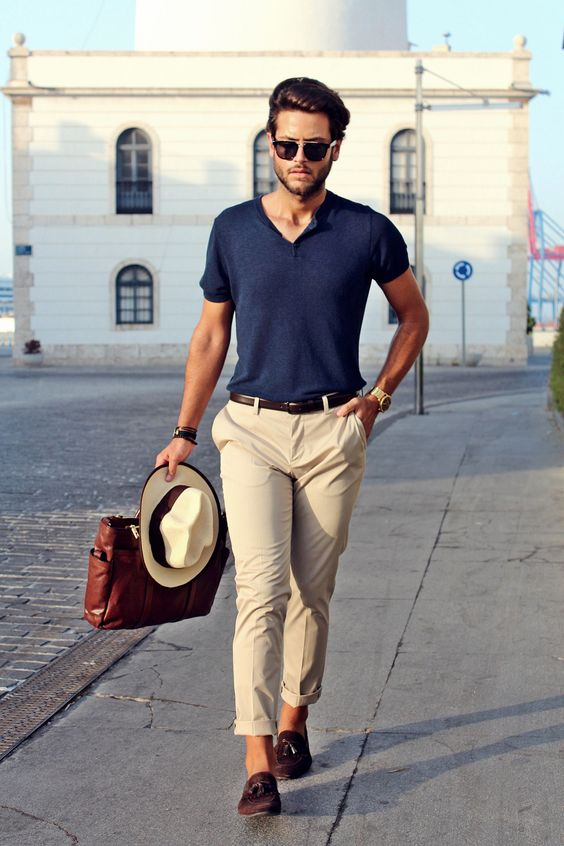 v-neck casual summer fashion look