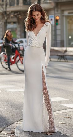 elegant minimalist wedding dress
