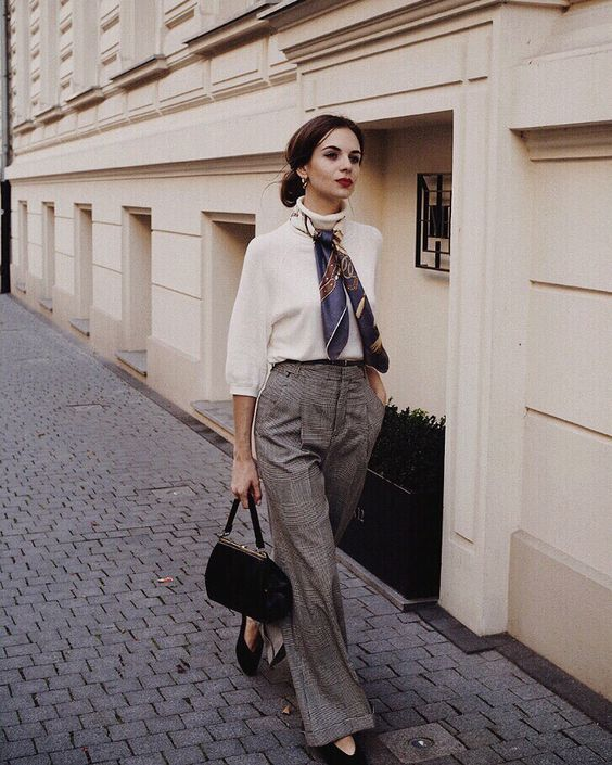 don't show off the logo when styling Parisian look