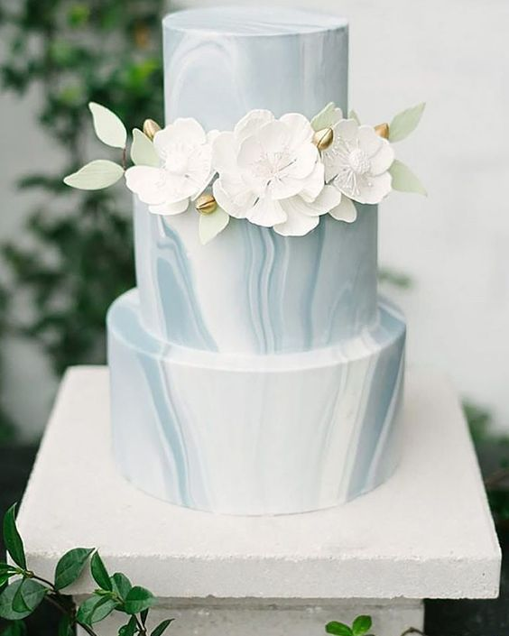 beach wedding cake idea