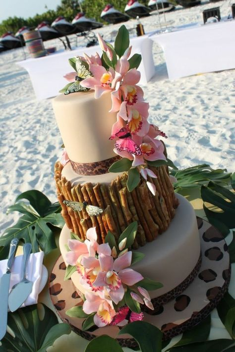 Hawaiian bridal cake idea