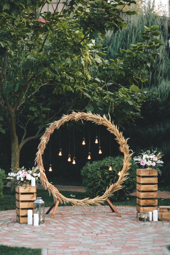 patio arch decor idea