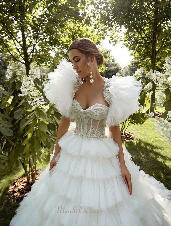 puffy sleeves garden wedding dress