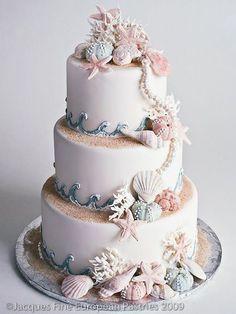 seashells summer wedding cake idea
