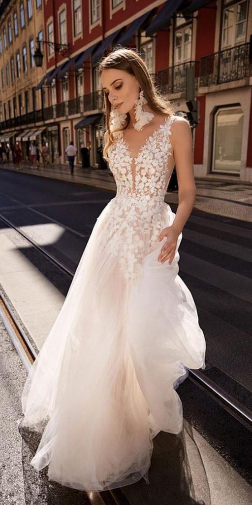 super lightweight wedding dress for summer