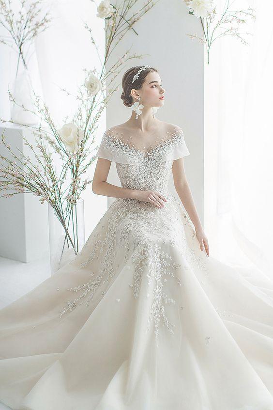 gorgeous garden wedding gown